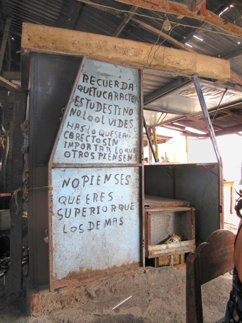 Advertencias Guajiras - Cuatro Vias - Foto Gino Lofredo