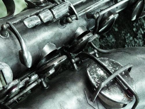 tenor-sax-keys-bw1