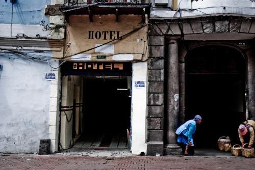DAloro Quito 1 nov 09